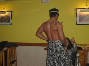 Mala na rozluckovej aj striptera a ako vidno bola nadmieru spokojna...