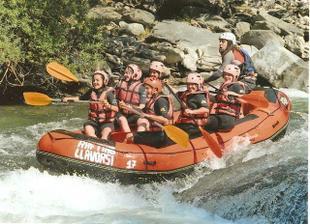 Rafting - jedna z aktivit, z rozluckovej.