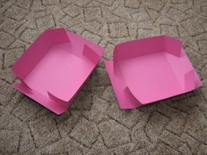 krabička připravená k lepení
