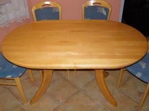 stůl u původních majitelů, dnes už je obroušený a navoskovaný...