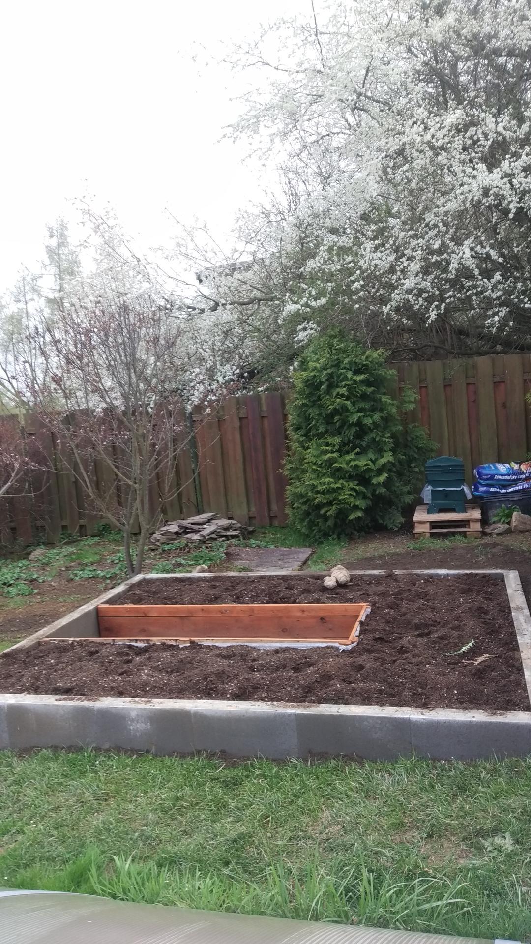 Zahrada 2021 a budování skleníku - Obrázek č. 11