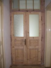 A po renovaci mým manželem :). Byla to neskutečná dřina, na dveřích byly asi 3 vrstvy barvy :(.