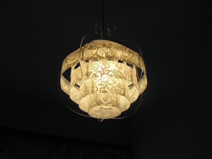 """Naše doma :) - Nový lustr v ložnici, """"starý"""" ikeácký je teď v pokoji pro hosty"""