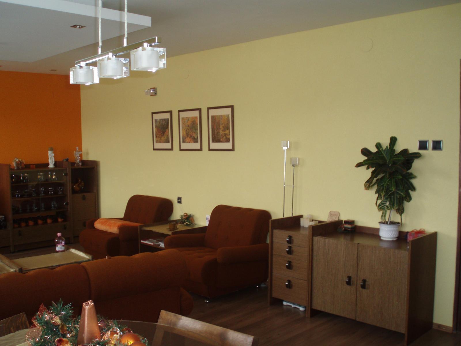 Obývacia izba so starou stenou - Obrázok č. 3