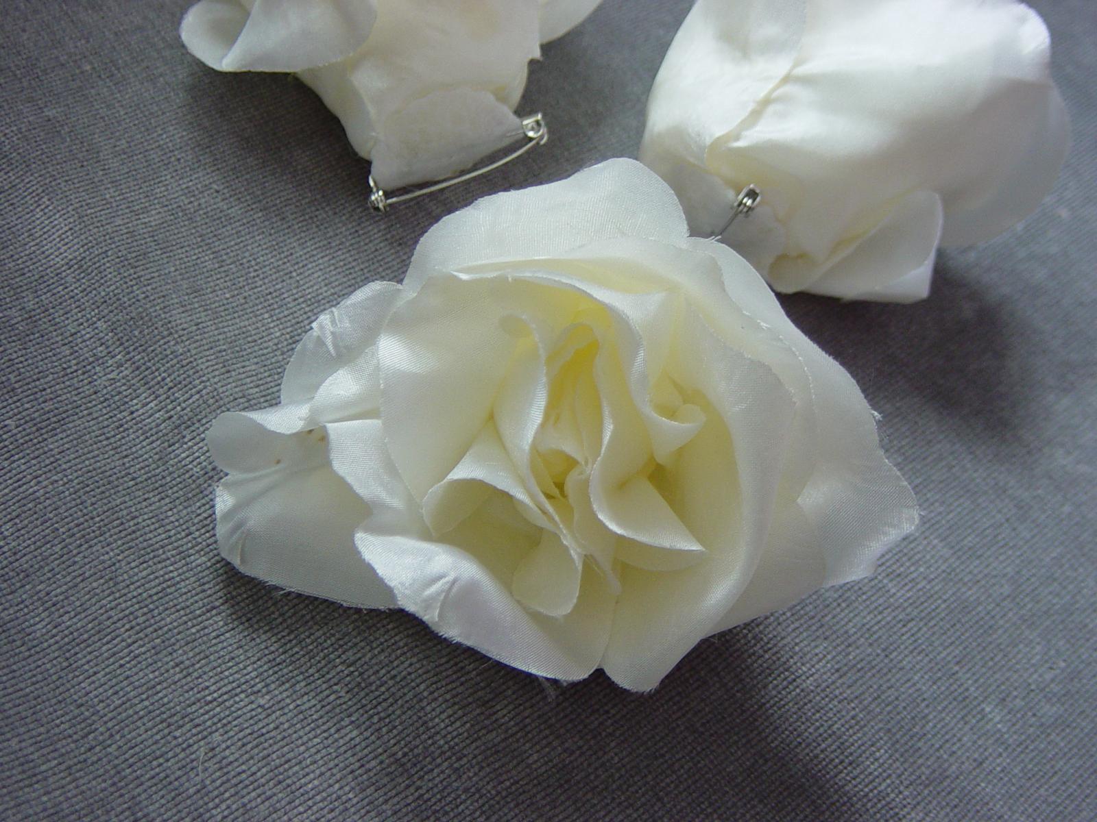 2 smotanové ruže - Obrázok č. 3