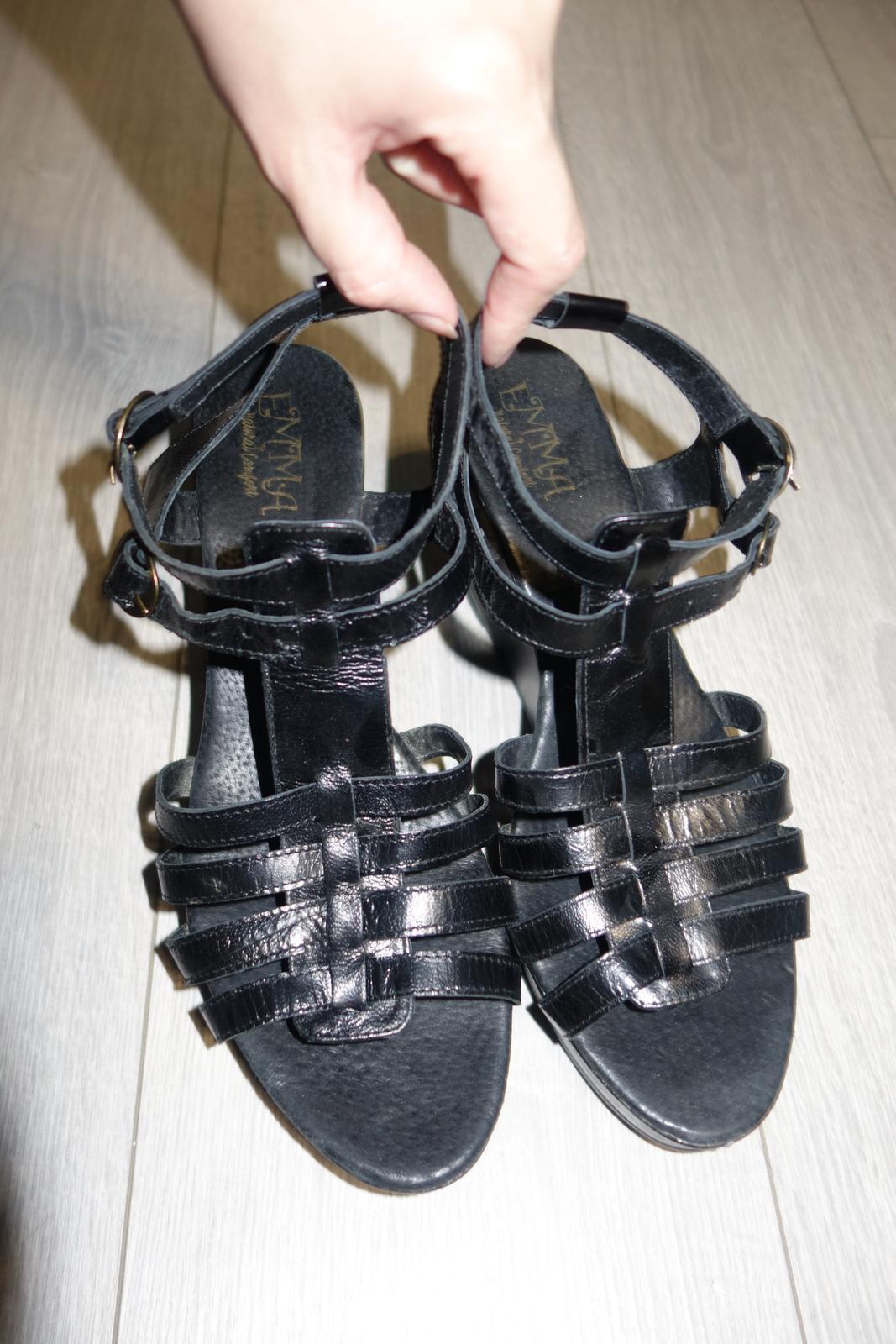 Čierne kožené sandále značky Emma  - Obrázok č. 4