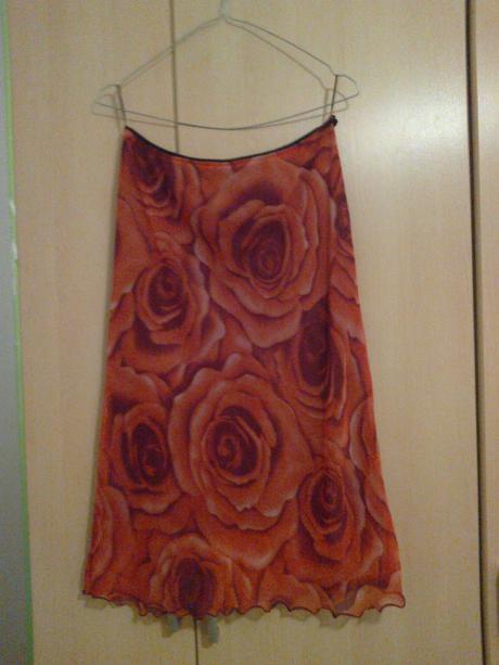 Predám spoločenskú sukňu (M/L) - Obrázok č. 1
