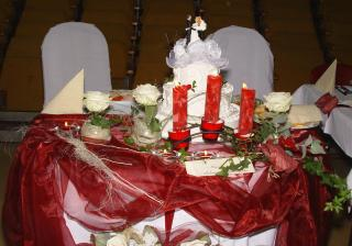 Stôl mladomanželov...