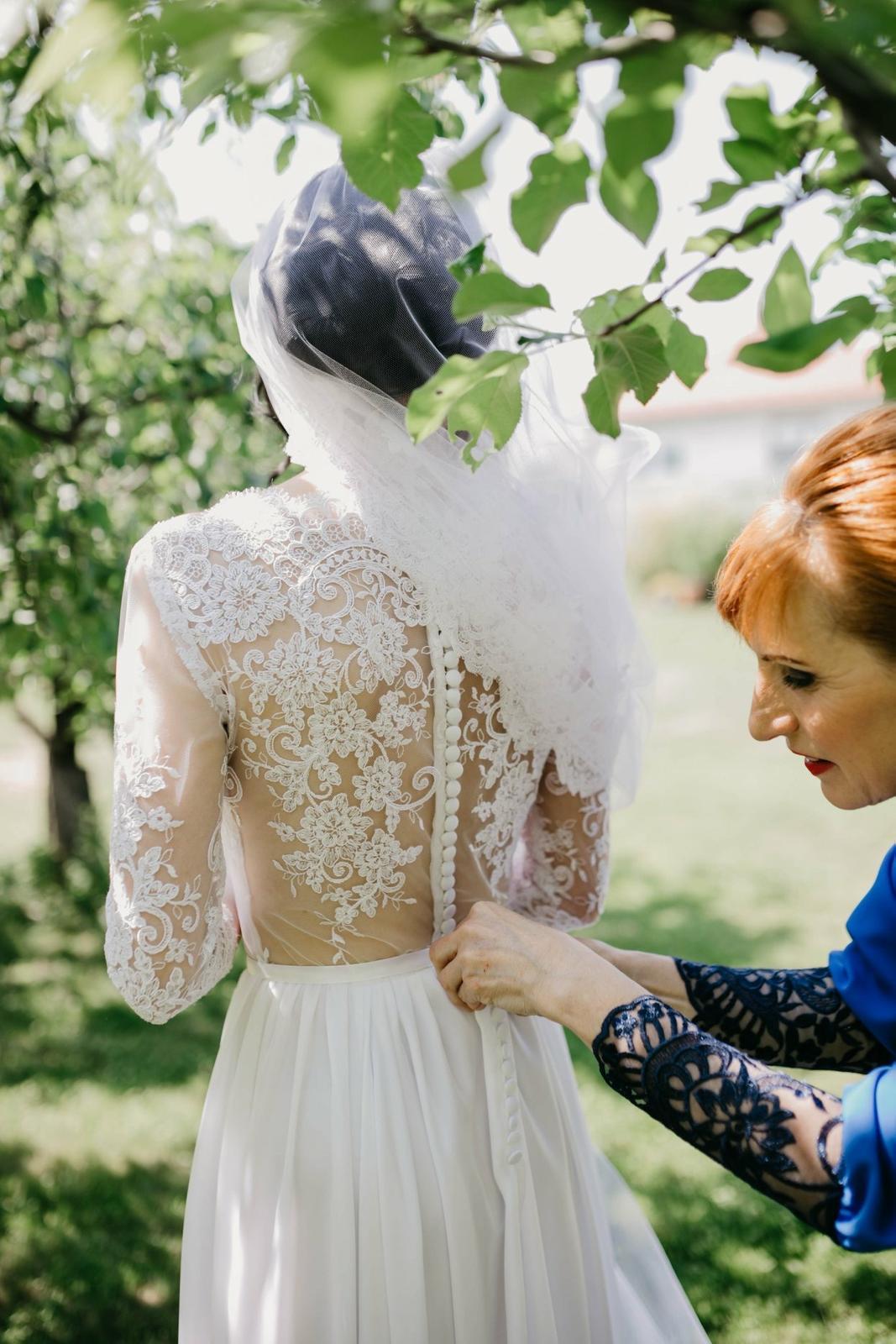 Svadobné šaty šité na mieru - Obrázok č. 3