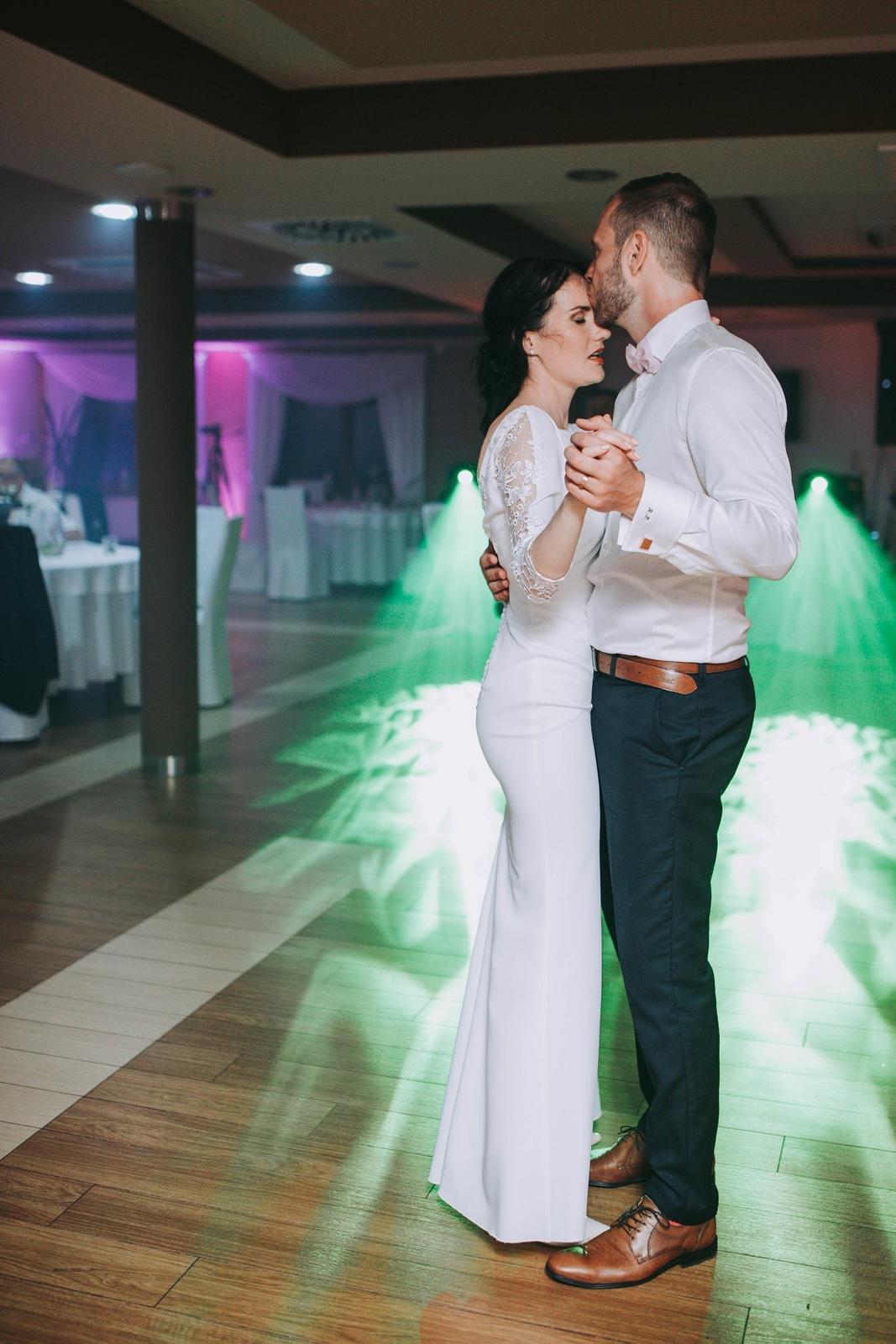 Svadobné prípadne popolnočné šaty šité na mieru - Obrázok č. 1