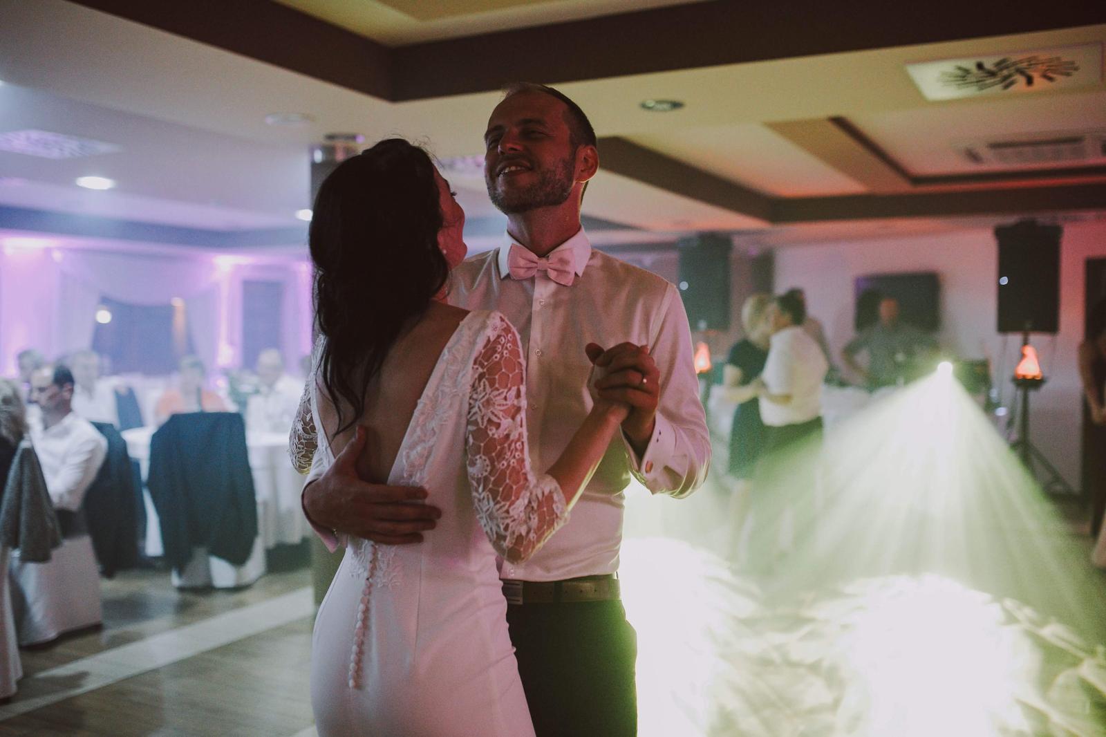 Svadobné prípadne popolnočné šaty šité na mieru - Obrázok č. 4