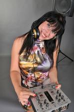 Naše super DJ - známe se už léta a všem doporučuji na různé akce