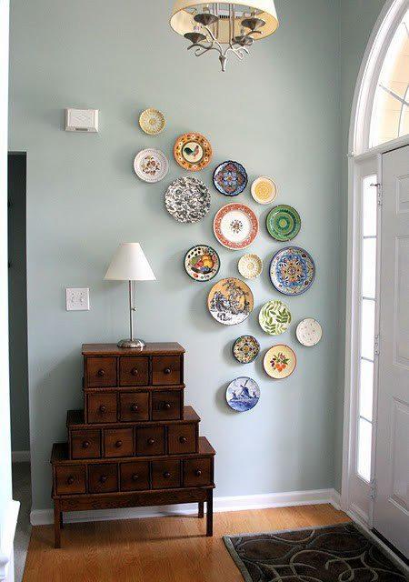 Jachime hod to na stenu :-) - Zeby vyuzite pre zbierku porcelanu po babke?