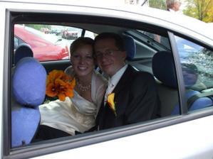 v svadobnom aute