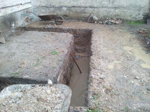 Konecne kopeme zaklady na novu kupelnu s wc.