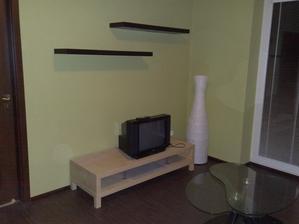Ikea stolik pod tv aj police