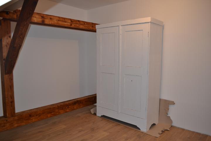 U nás - v malom dome :-) - konecne prva izba hotova aj s podlahou.. este listy treba :-)
