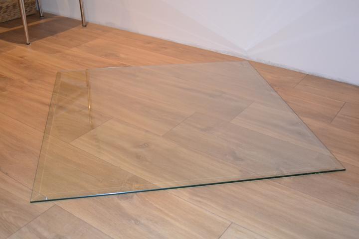 U nás - v malom dome :-) - sklo pod krbove kachle