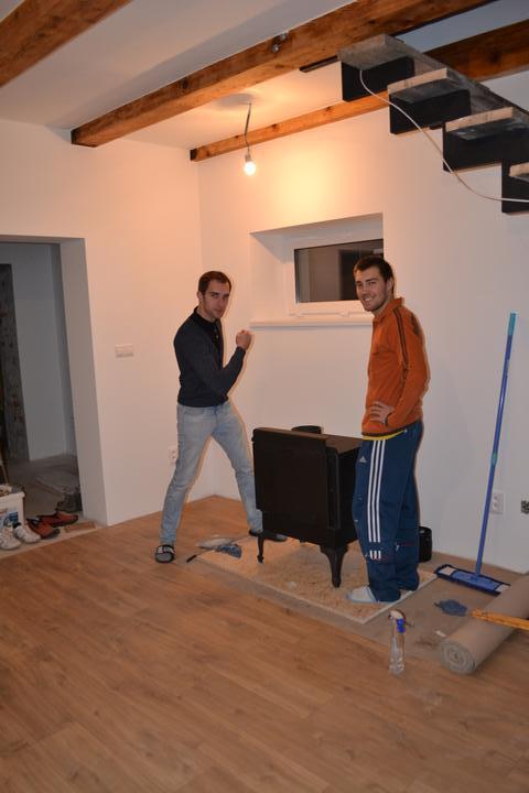 U nás - v malom dome :-) - ano ano, chlapci mali strasnu silu :-)