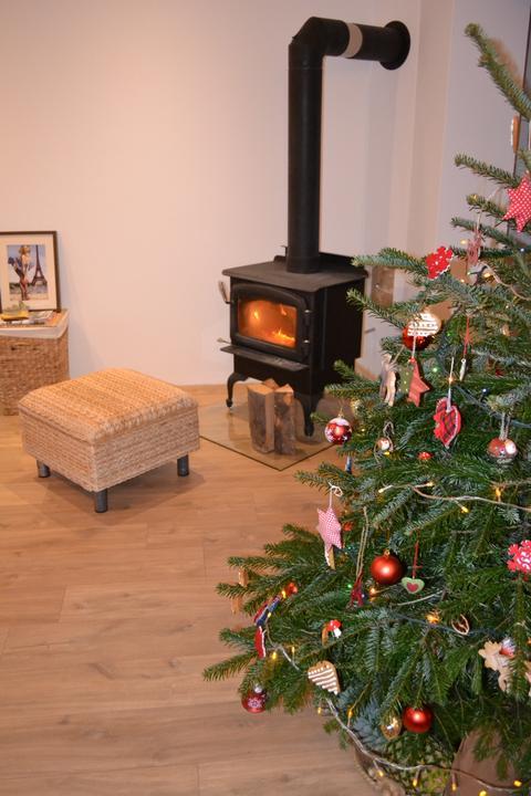 U nás - v malom dome :-) - Nase druhe Vianoce v dome, stihli sme to len tak tak, niektore ozdoby sa stratili ale sme tu :-)