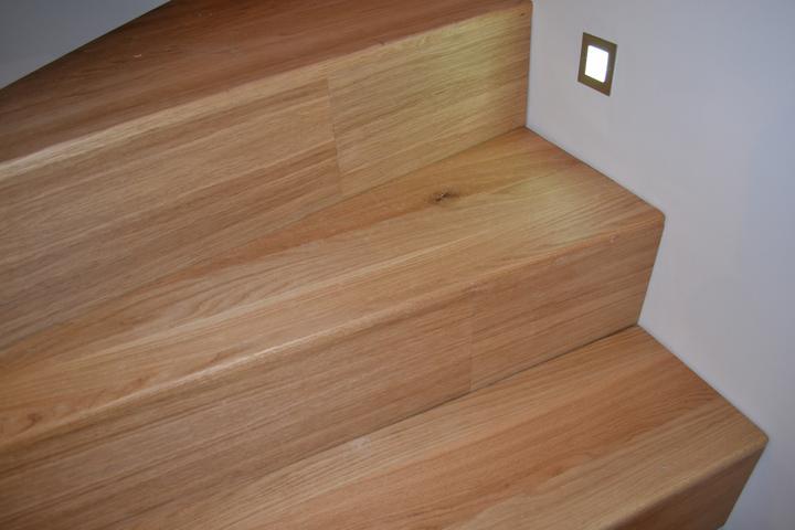 U nás - v malom dome :-) - Schody