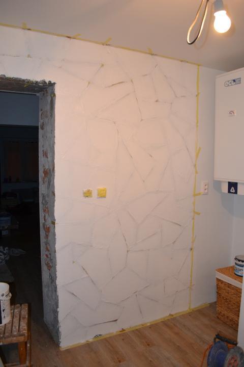 U nás - v malom dome :-) - Vymalovane cez pasku.. cakame na zaschnutie :-)