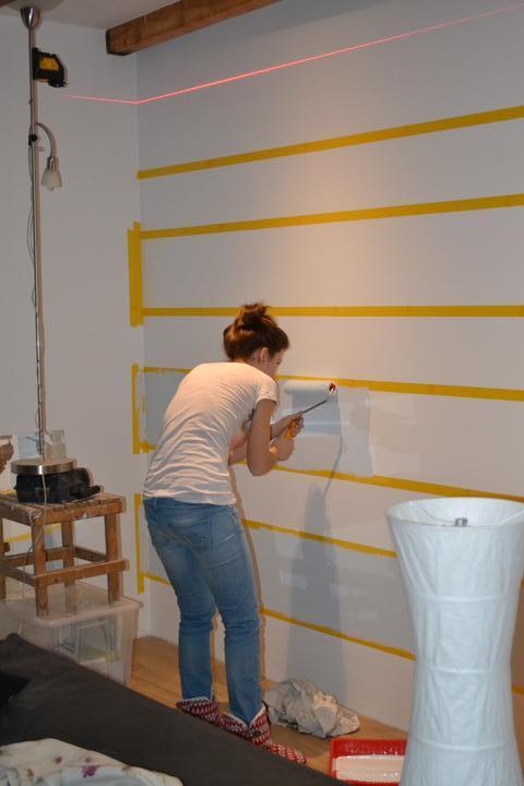 U nás - v malom dome :-) - Co mozes urobit dnes, neodkladaj na zajtra... Tak sme o 21:00 stredoeuropskeho casu zacali malovat :-D