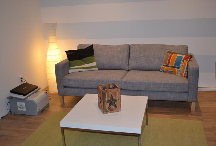 U nás - v malom dome :-) - Karlstad a stolik Klubbo..
