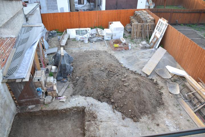 Projekt - záhrada ;-) - chvilu tam bol poriadok.. dnes je zase vsetko inak :-)