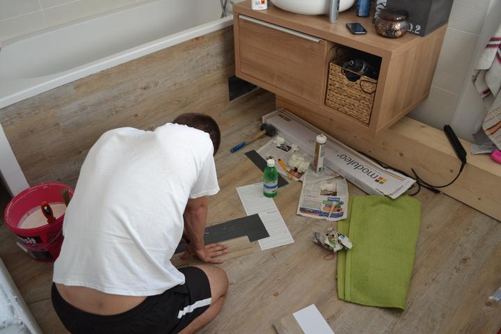 U nás - v malom dome :-) - dnes trosku kupelna.. vinyl na vani