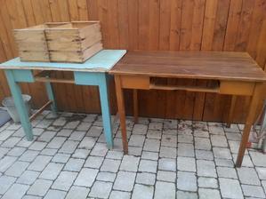 Ulovok dnesneho dna: 2kusy stare drevene stoly (ziadna dyha), 2kusy drevene bednicky a 1 retro rebrovane kreslo bez opierok :-)