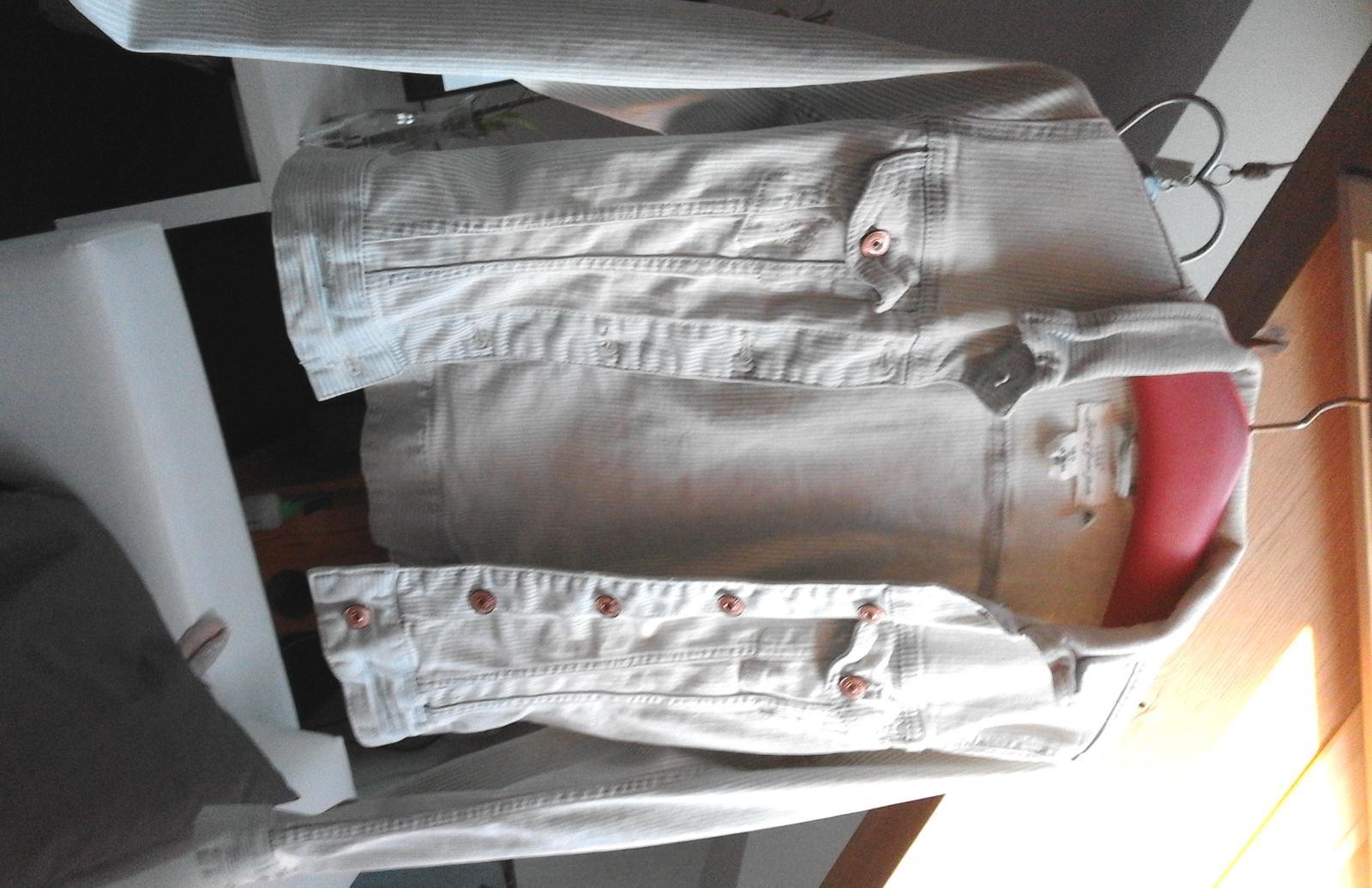 H & M bunda např. na focení  - Obrázek č. 2
