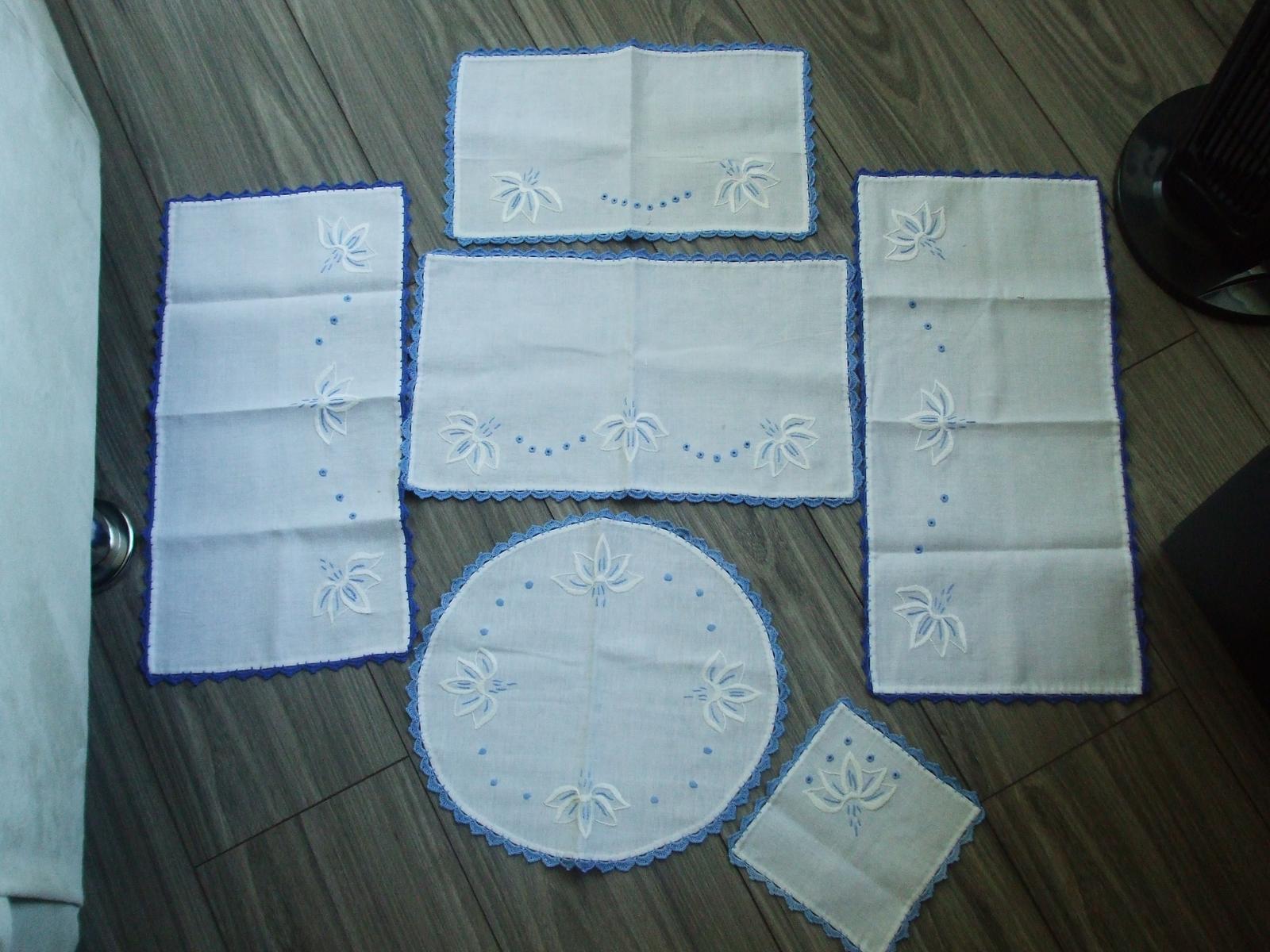 Modro-biela ručne vyšívaná súprava-6 ks - Obrázok č. 1