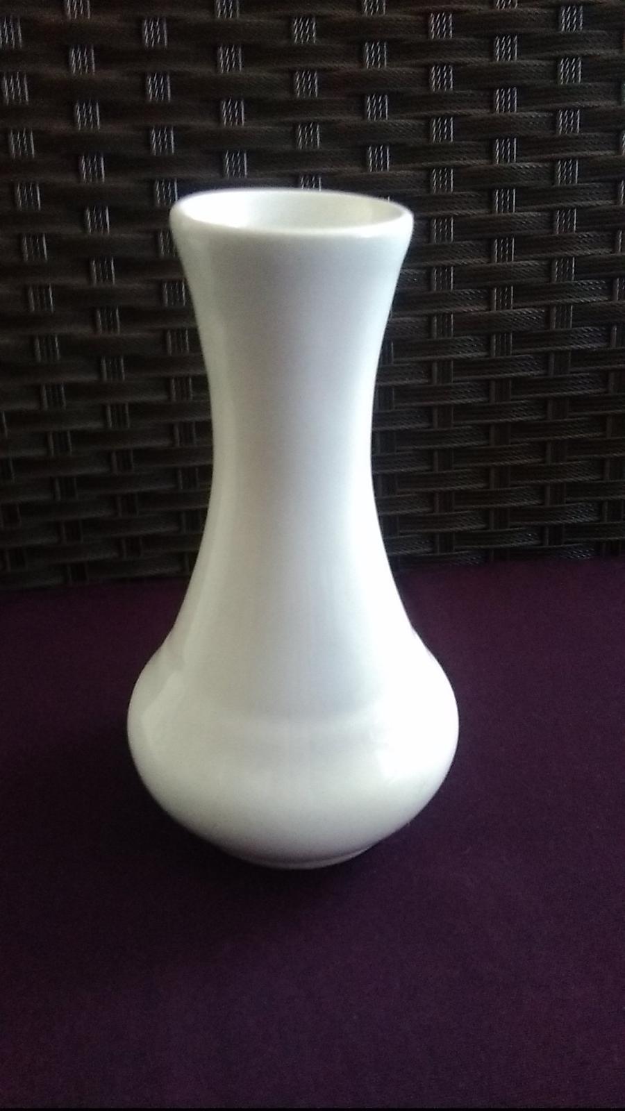 Biela váza-výška 14 cm - Obrázok č. 1