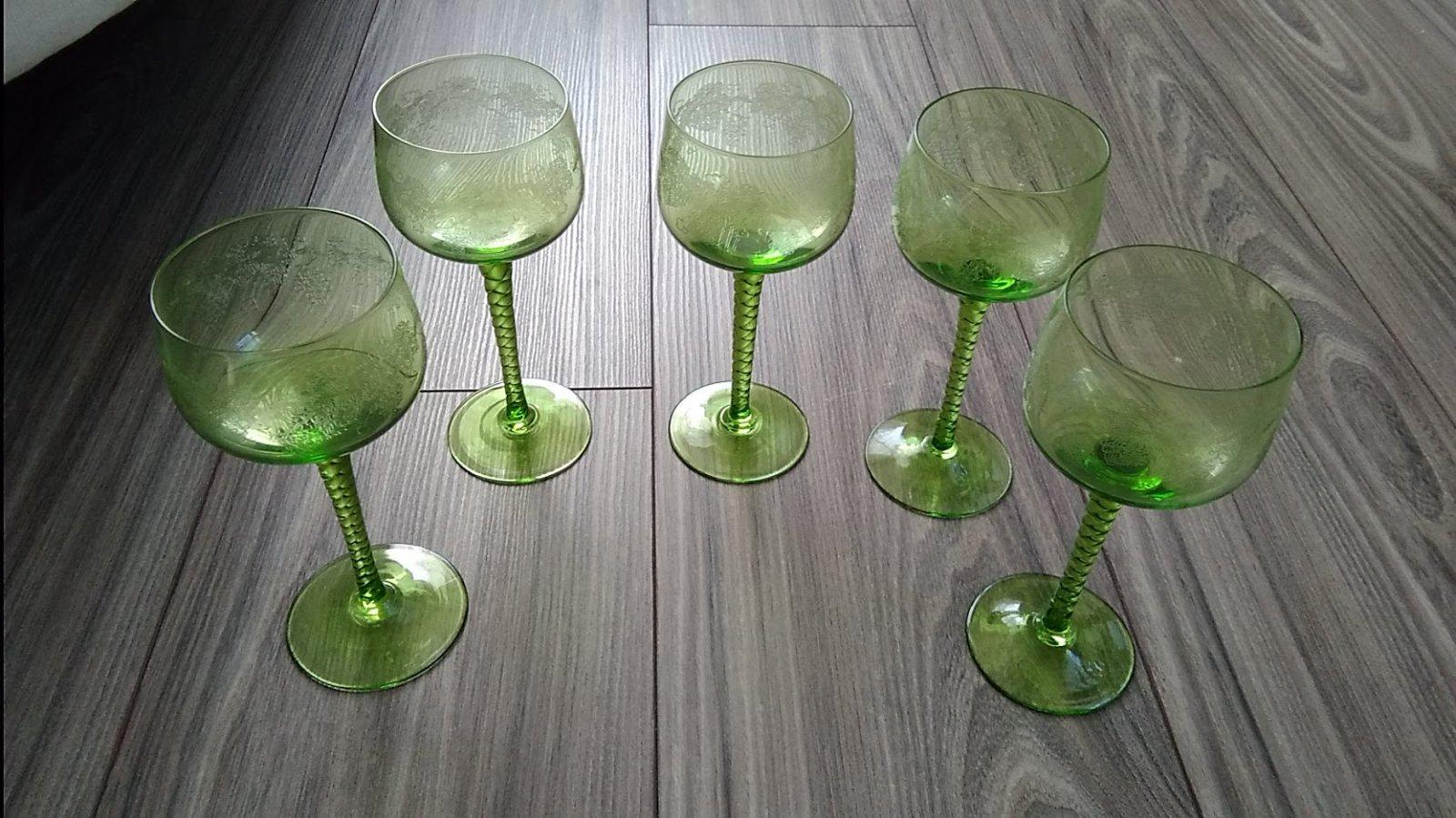 40 ročné vínové poháre - Obrázok č. 1
