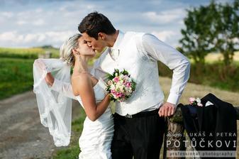 Můj manžel - pro mě nejkrásnější člověk na světě. Nejen zvnějšku, ale hlavě srdcem:-)