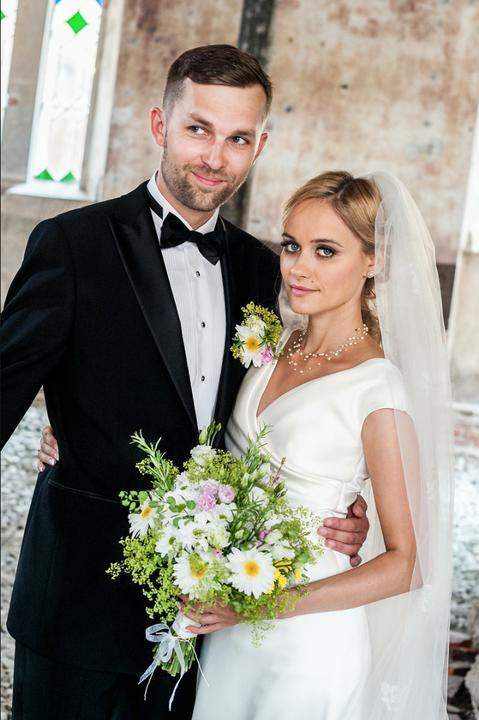 ❤️ Svadobné kytičky pre naše krásne nevestičky 2014 ♥ - Svadobná kytička s rozmarínom pre nádhernú Viki, foto: Peter Tiliščák