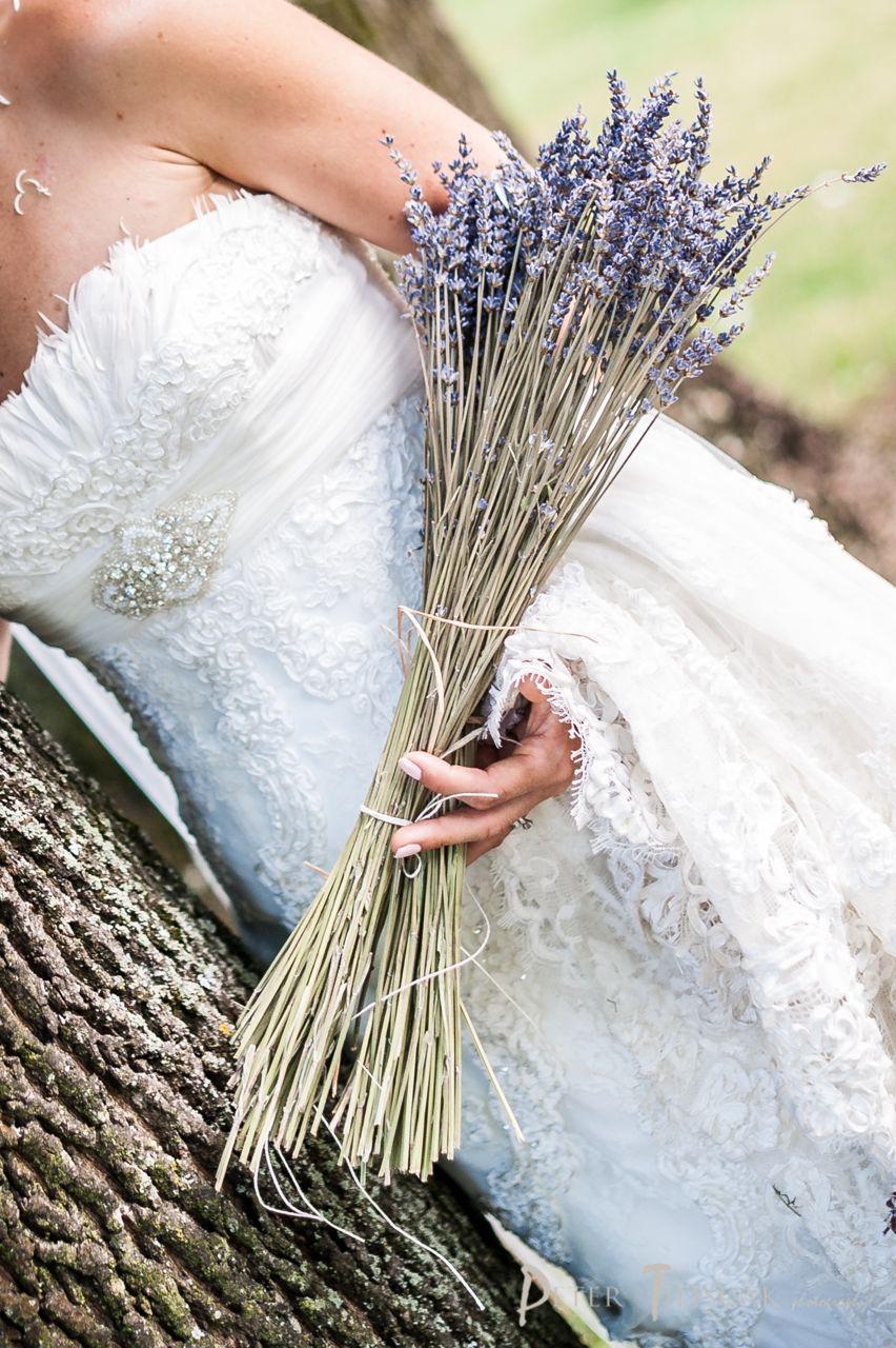 ❤️ Svadobné kytičky pre naše krásne nevestičky 2014 ♥ - levanduľová, foto Peter Tiliscak