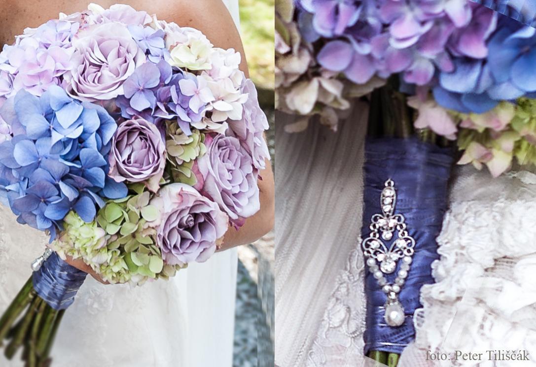 ❤️ Svadobné kytičky pre naše krásne nevestičky 2014 ♥ - hortenziová svadobná kytička a pierko foto Peter Tiliscak