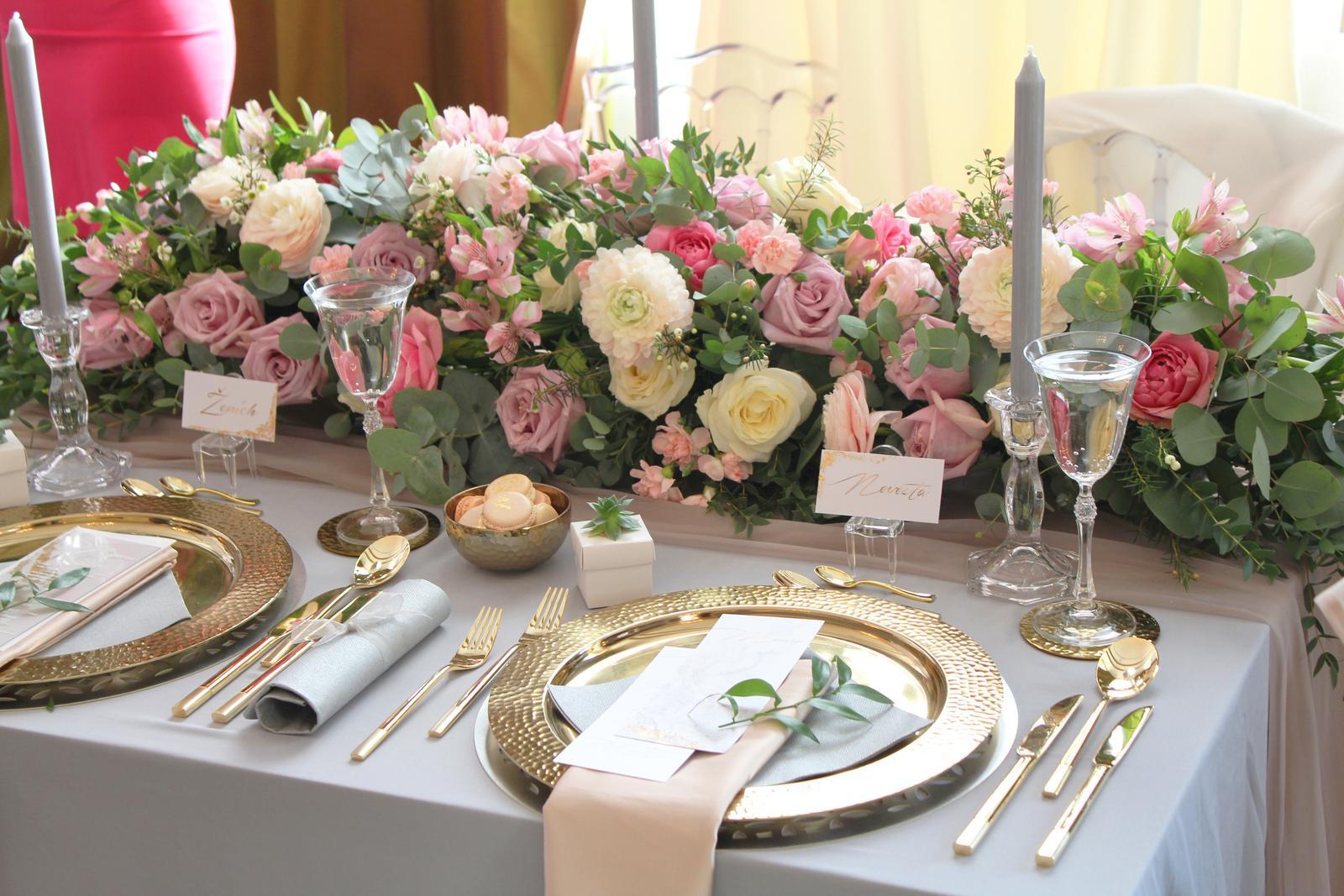 Naša svadobná výzdoba na svadobnom veľtrhu v Tatranskej Lomnici v grandhoteli Praha. - Obrázok č. 6