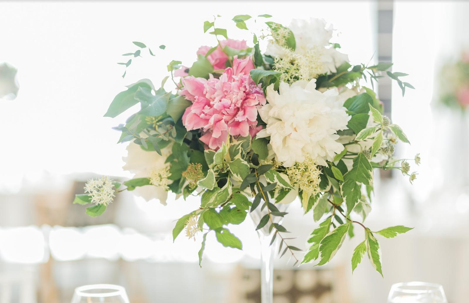 Nežná svadbička Lenky a Stana s množstvom skalných ruží. - Obrázok č. 37