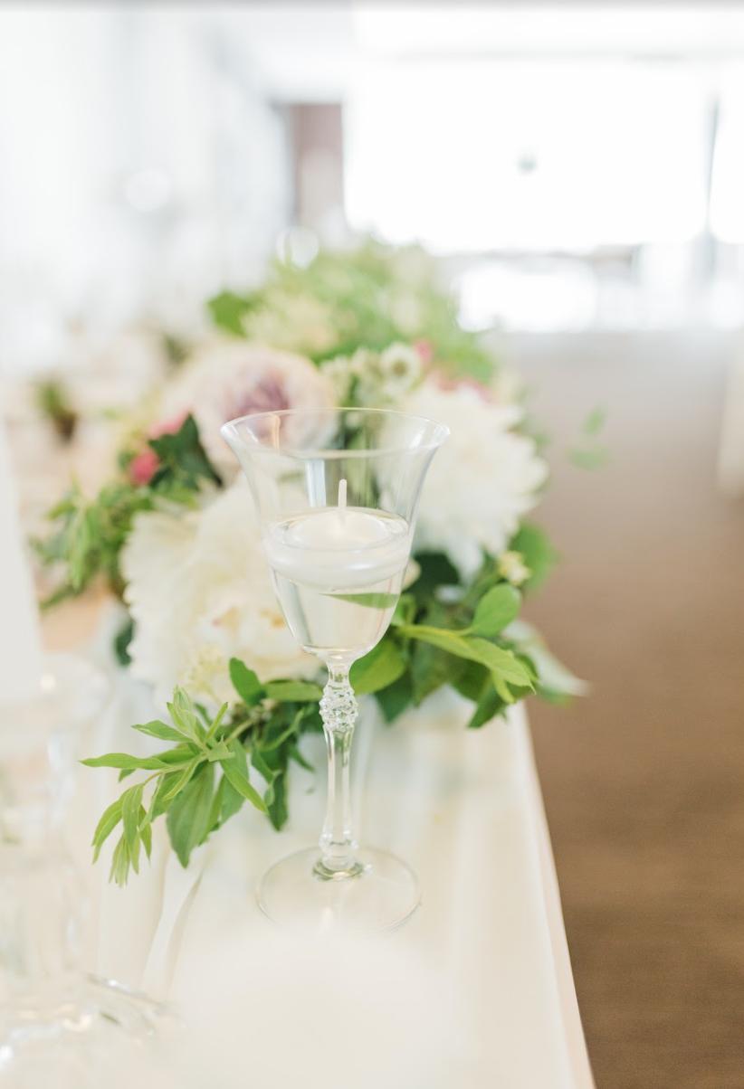 Nežná svadbička Lenky a Stana s množstvom skalných ruží. - Obrázok č. 36