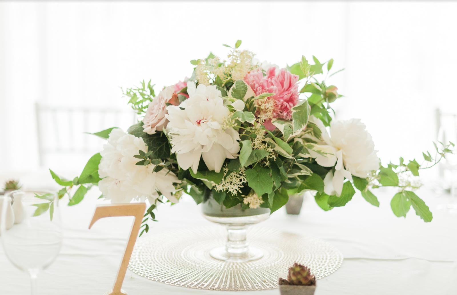 Nežná svadbička Lenky a Stana s množstvom skalných ruží. - Obrázok č. 28