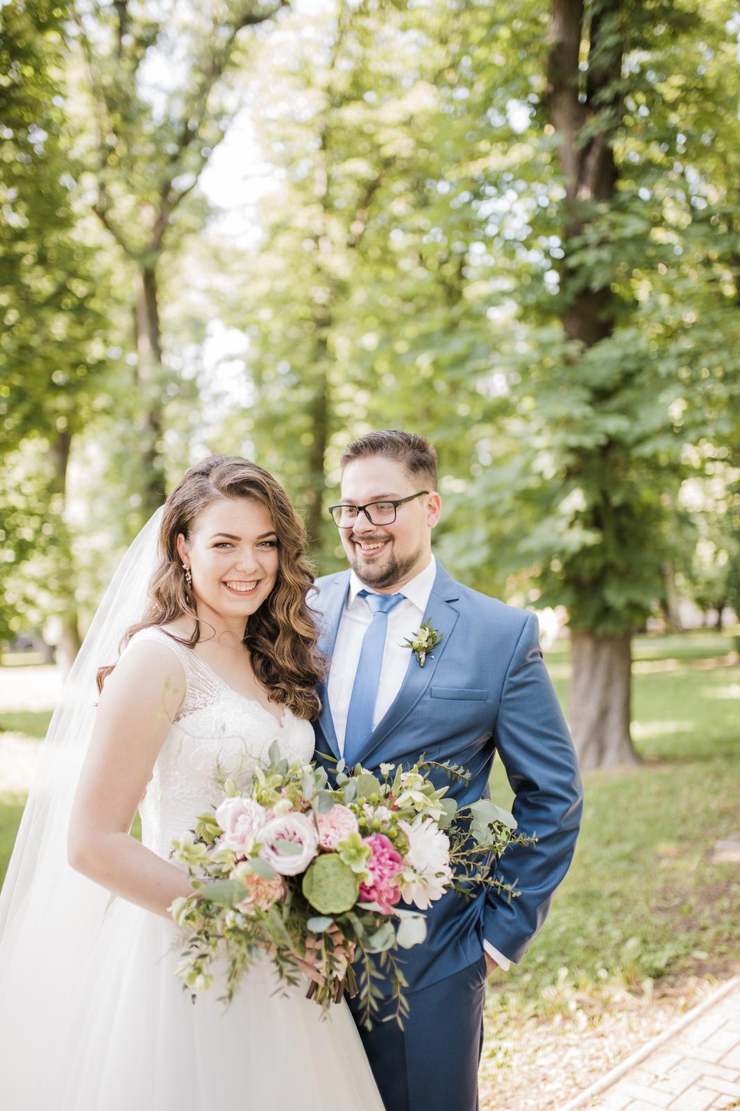 Nežná svadbička Lenky a Stana s množstvom skalných ruží. - Obrázok č. 42