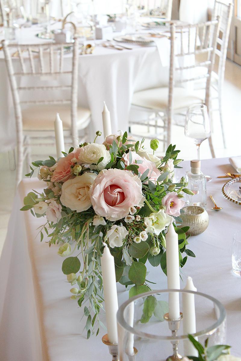 Romantická púdrovo-zlatá greenery svadbička Nelky a Denisa - Obrázok č. 7