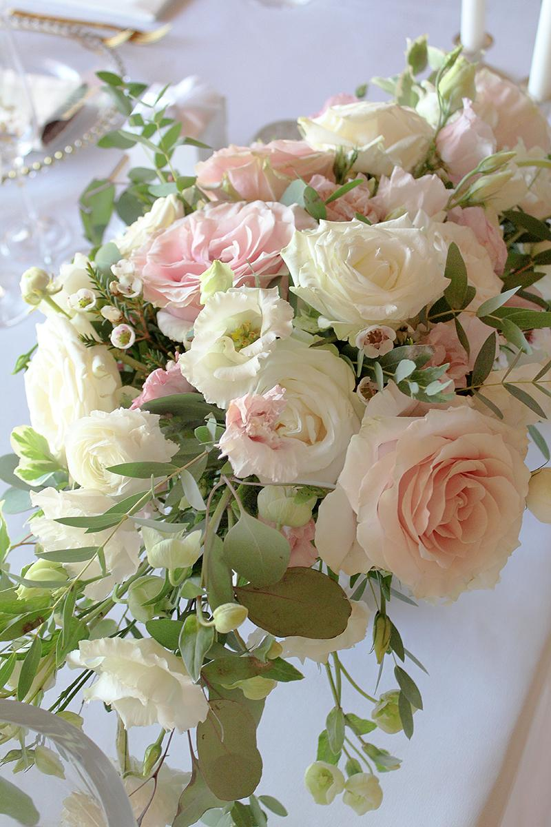 Romantická púdrovo-zlatá greenery svadbička Nelky a Denisa - Obrázok č. 15