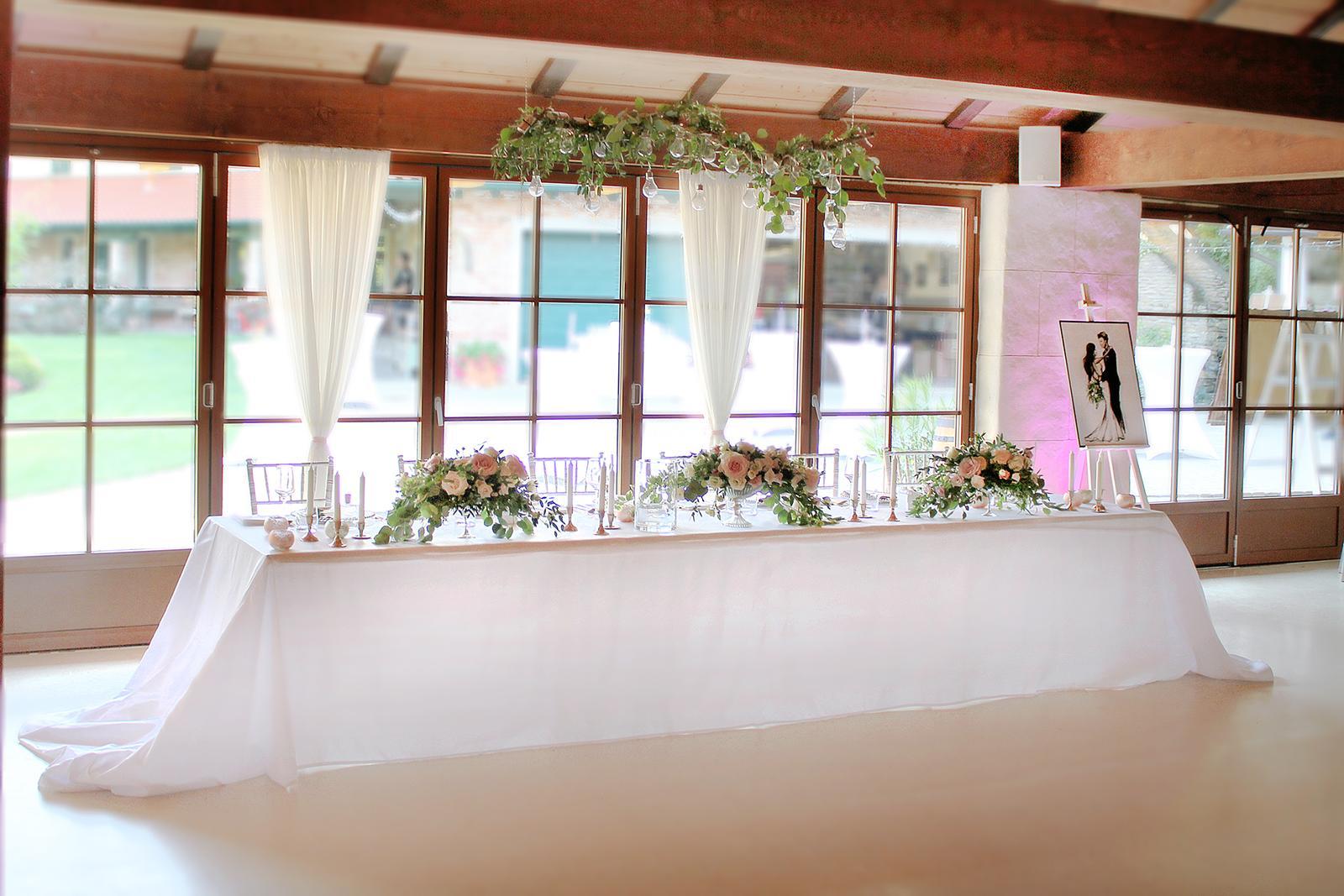 Romantická púdrovo-zlatá greenery svadbička Nelky a Denisa - Obrázok č. 34
