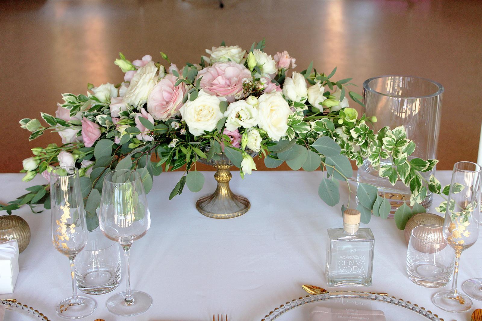 Romantická púdrovo-zlatá greenery svadbička Nelky a Denisa - Obrázok č. 37