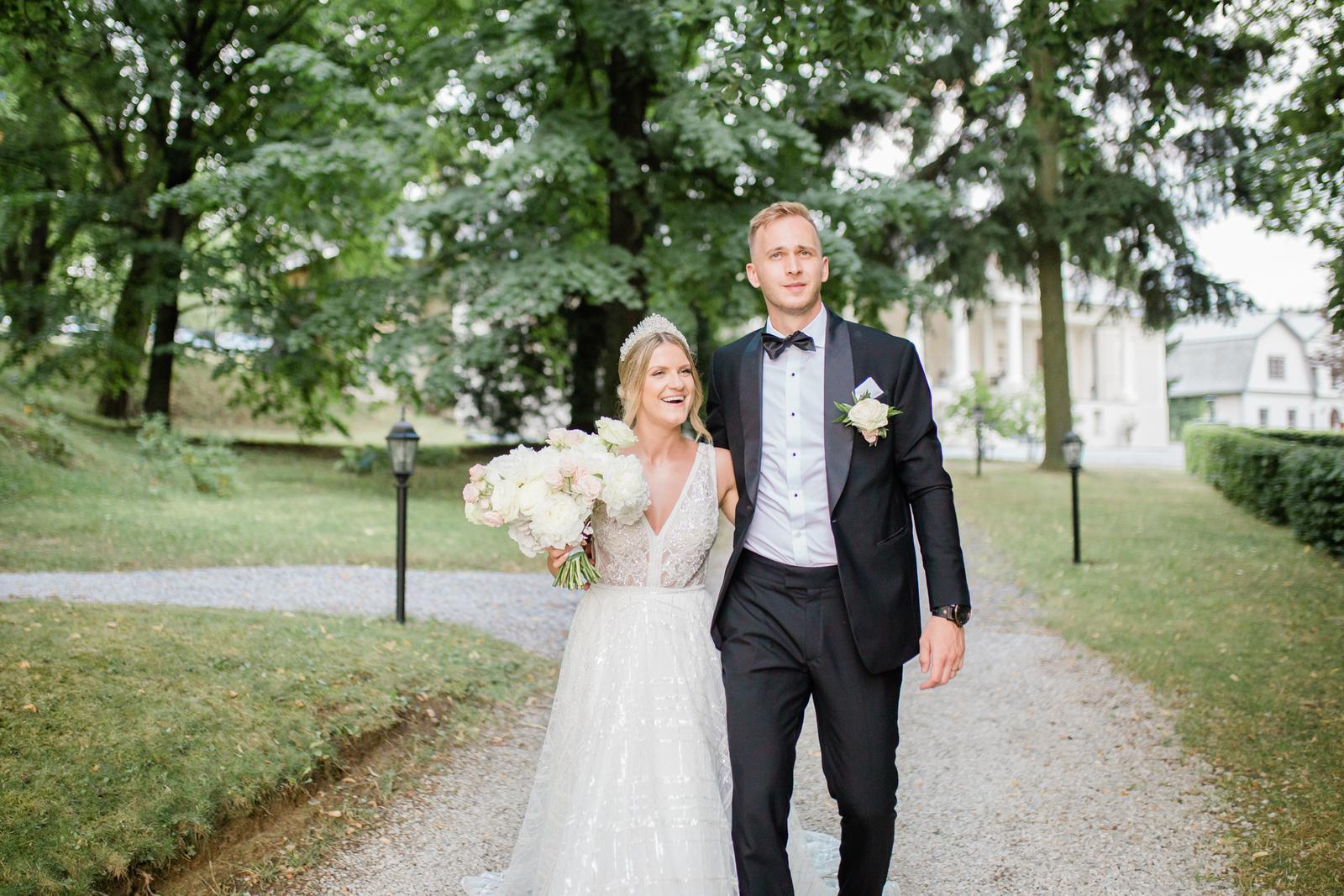 Romantická svadbička krásnej Viky a našej hokejovej jednotky Martina - Obrázok č. 1