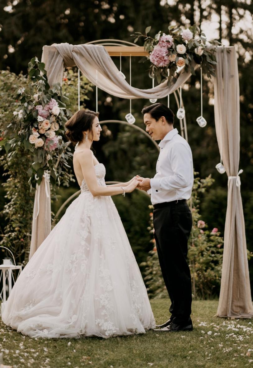 Krásna svadbička krásneho páru Mišky a Wesleyho - Obrázok č. 1